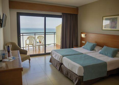 Hotelzimmer mit Volleyball im Hotel Puente Real