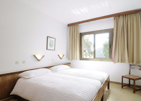 Hotelzimmer mit Mountainbike im Arenas Resort Giverola