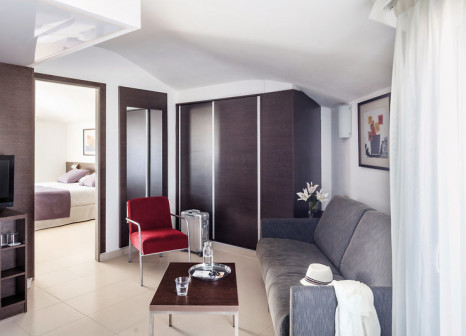 Hotelzimmer mit Golf im Aqua Hotel Montagut Suites