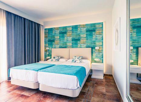 Hotelzimmer mit Mountainbike im Aldiana Club Costa del Sol