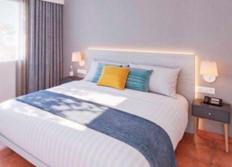 Hotelzimmer mit Minigolf im AluaSun Mediterráneo