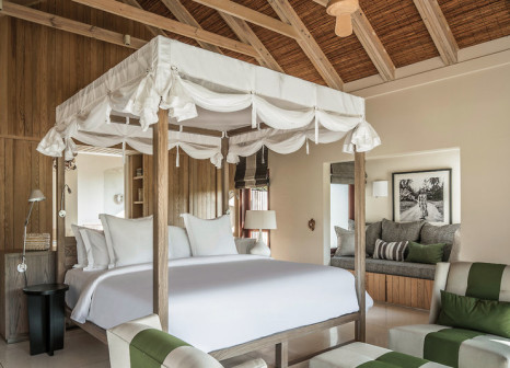 Hotelzimmer mit Volleyball im Four Seasons Resort Seychelles at Desroches Island