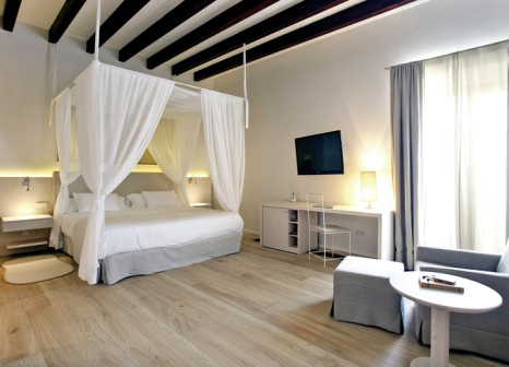 Hotelzimmer mit Mountainbike im Fontsanta Hotel Thermal Spa & Wellness