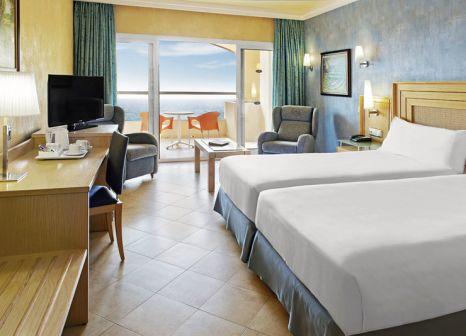Hotelzimmer mit Volleyball im Elba Sara Beach & Golf Resort