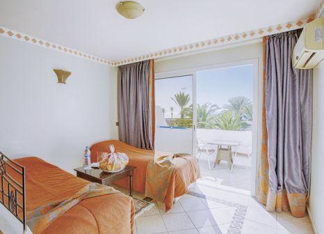 Hotelzimmer mit Volleyball im Club Al Moggar Garden Beach