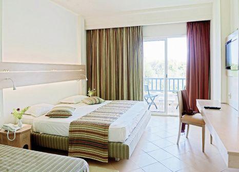 Hotelzimmer mit Volleyball im Hotel Meninx Djerba