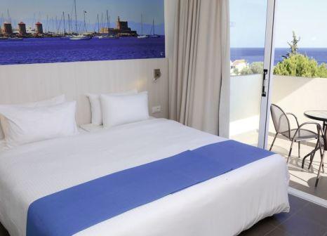 Hotelzimmer mit Volleyball im LABRANDA Kiotari Bay