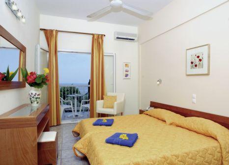 Hotelzimmer mit Tischtennis im Ipsos Beach