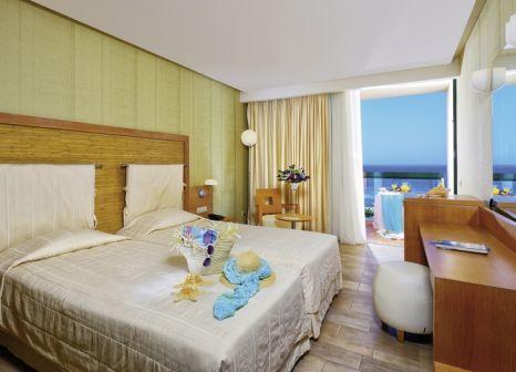 Hotelzimmer mit Volleyball im Sirens Hotels Beach & Village