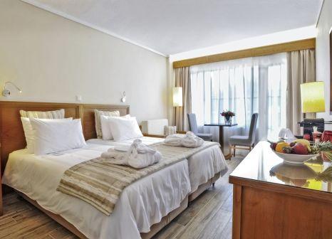 Hotelzimmer mit Volleyball im Alexander the Great Beach Hotel
