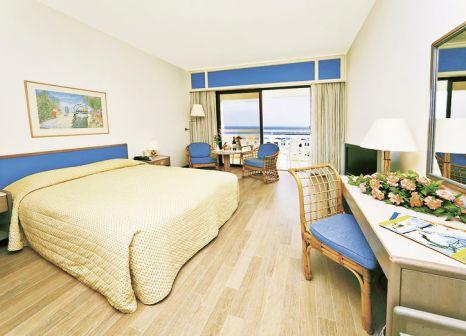 Hotelzimmer mit Volleyball im St Raphael Resort