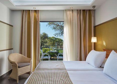 Hotelzimmer mit Volleyball im SENTIDO Apollo Palace