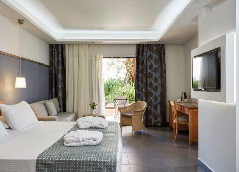 Hotelzimmer mit Mountainbike im SENTIDO Apollo Palace