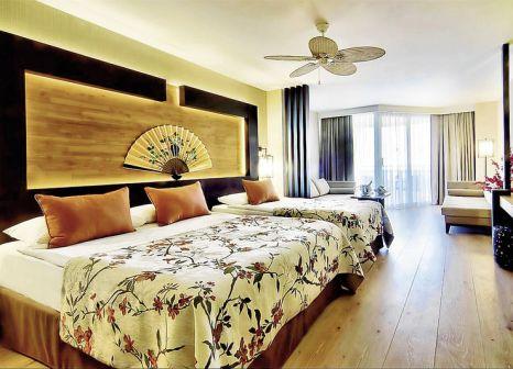 Hotelzimmer mit Volleyball im Limak Lara Deluxe Hotel & Resort