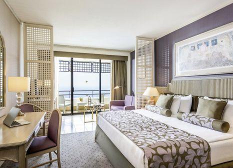 Hotelzimmer mit Volleyball im Rixos Downtown Antalya
