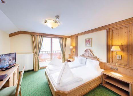 Hotelzimmer mit Ski im Wirlerhof