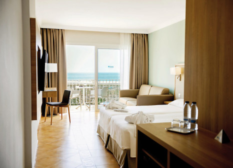 Hotelzimmer mit Mountainbike im Sentido Buganvilla Hotel & Spa