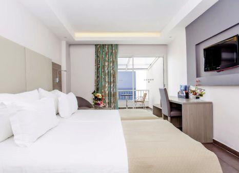 Hotelzimmer mit Mountainbike im LABRANDA Amadil Beach