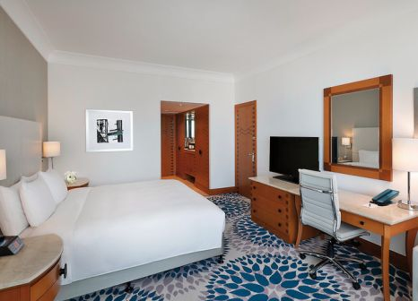 Hotelzimmer mit Volleyball im Hilton Dubai Jumeirah