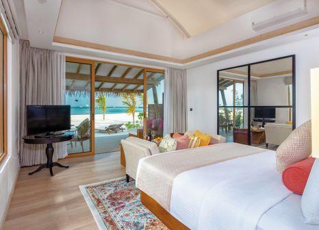 Hotelzimmer mit Tischtennis im Cinnamon Hakuraa Huraa Maldives