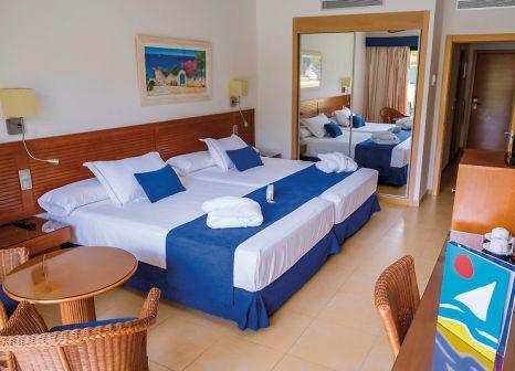 Hotelzimmer mit Mountainbike im Playamarina Spa Hotel