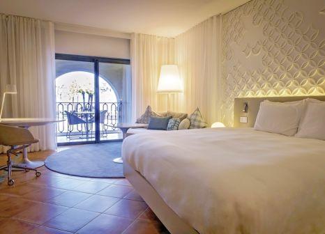 Hotelzimmer mit Mountainbike im Hilton Malta