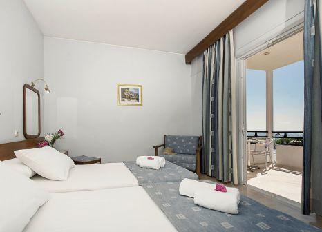 Hotelzimmer mit Paddeln im Astir Beach