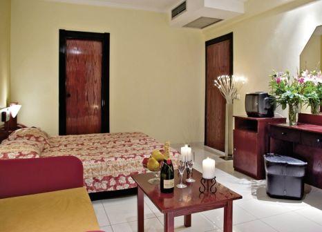 Hotelzimmer mit Tischtennis im Hotel Mediterranean Resort