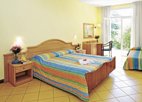Hotelzimmer mit Tischtennis im Hotel Marco Polo Garda