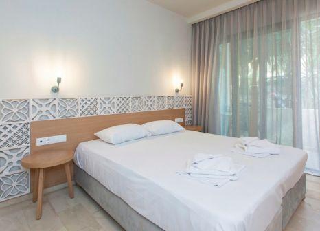 Hotelzimmer im Paradise günstig bei weg.de