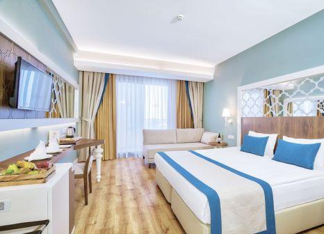 Hotelzimmer mit Volleyball im Side Crown Sunshine