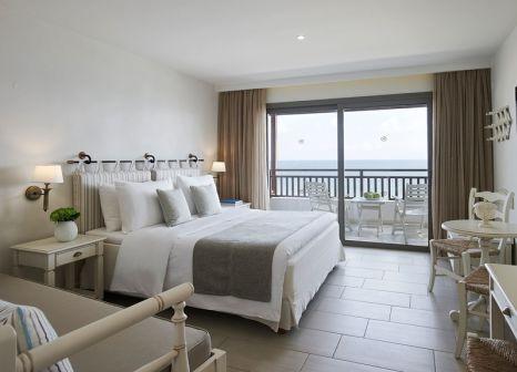 Hotelzimmer mit Volleyball im Creta Maris Beach Resort