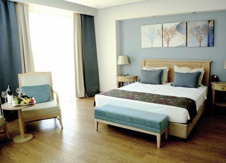Hotelzimmer mit Volleyball im Euphoria Aegean Resort & Thermal Hotel