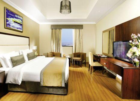 Hotelzimmer mit Volleyball im Ramada Hotel & Suites Ajman