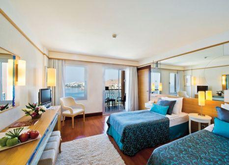 Hotelzimmer mit Volleyball im Kefaluka Resort