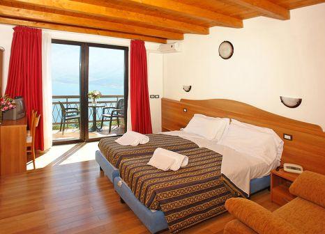 Hotelzimmer mit Minigolf im Hotel Village Bazzanega