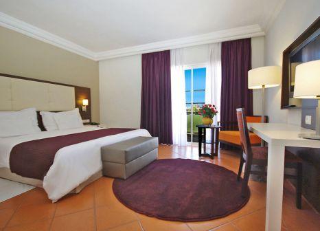 Hotelzimmer mit Volleyball im Kenzi Europa Hotel