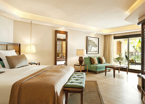 Hotelzimmer mit Mountainbike im Royal Palm Beachcomber Luxury
