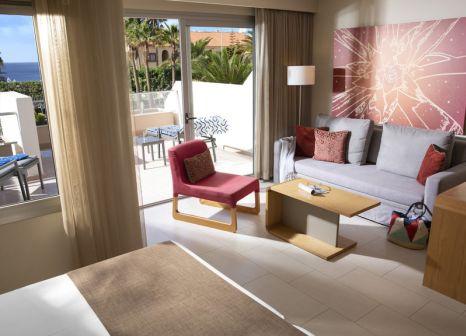 Hotelzimmer mit Mountainbike im Hotel Riu Calypso