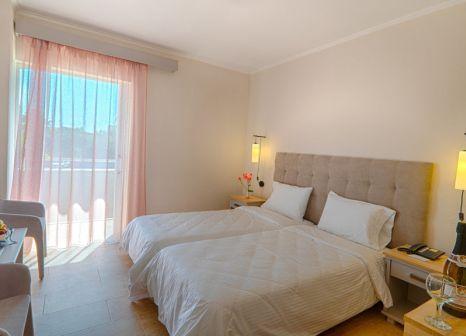 Hotelzimmer mit Tennis im Livadi Nafsika Hotel