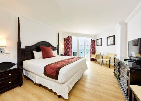 Hotelzimmer mit Volleyball im Hotel RIU Palace Paradise Island