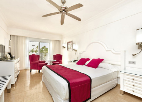 Hotelzimmer mit Volleyball im Hotel Riu Palace Macao