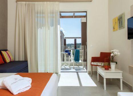 Hotelzimmer mit Tischtennis im Althea Village Suneo Club