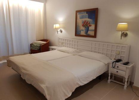 Hotelzimmer mit Klimaanlage im Los Tilos Aparthotel
