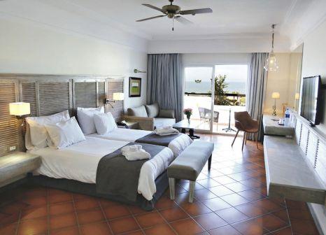 Hotelzimmer mit Volleyball im Hotel Riu Tikida Beach