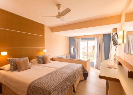 Hotelzimmer mit Yoga im ROBINSON Club Esquinzo Playa