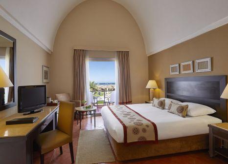 Hotelzimmer mit Yoga im TUI SENSIMAR Makadi Hotel