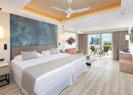Hotelzimmer mit Mountainbike im Hotel Riu Palace Jandía