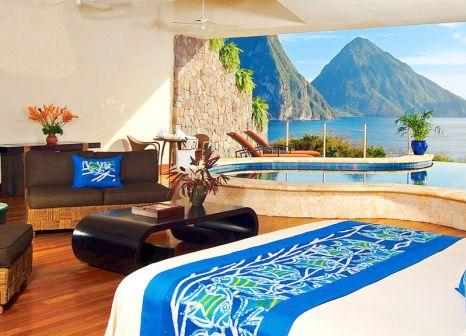 Hotelzimmer mit Mountainbike im Jade Mountain