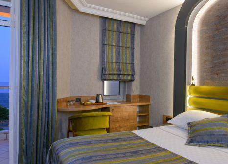 Hotelzimmer mit Volleyball im Monart City Hotel